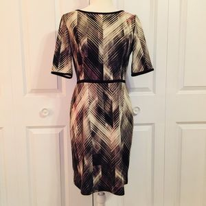 Vince Camuto Grey Chevron Print Midi Dress